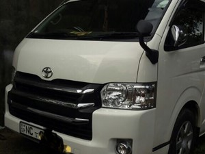 toyota-high-roof--kdh-2017-vans-for-sale-in-galle