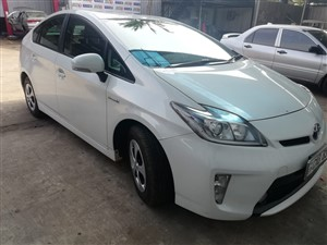 toyota-prius-3-generation-2014sep;-2014-cars-for-sale-in-gampaha