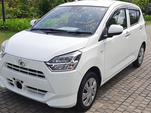 daihatsu-mira-eis-sa3-led-pearlwhite-fullyloaded-2018-cars-for-sale-in-colombo