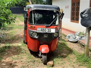 bajaj-dual-head-lamps--4---stroke-2016-three-wheelers-for-sale-in-ratnapura