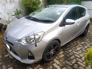 toyota-aqua-s-grade-2015-cars-for-sale-in-colombo