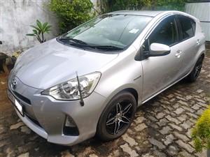 toyota-aqua-s-grade-2015-cars-for-sale-in-colombo