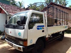 mitsubishi-canter-1992-trucks-for-sale-in-puttalam