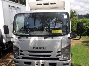 isuzu-2015--elf-manual-14,5-feet-2015-trucks-for-sale-in-gampaha