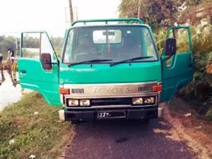 toyota-dyna-lorry-1994-trucks-for-sale-in-puttalam