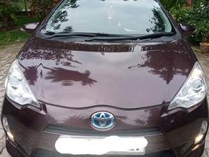 toyota-aqua-s-grade-2014-cars-for-sale-in-galle