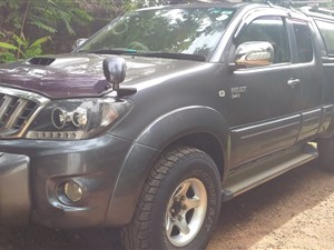 toyota-toyota-hilux-vego-smart-cab-2010-pickups-for-sale-in-colombo