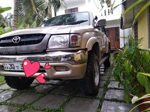 toyota-ln166-2004-pickups-for-sale-in-kurunegala