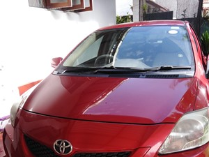 toyota-yaris-2012-cars-for-sale-in-colombo