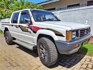 mitsubishi-l200-4*4-2000-pickups-for-sale-in-kalutara