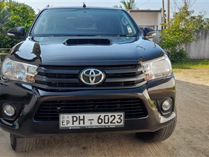 toyota-hilux-2017-pickups-for-sale-in-ampara