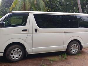 toyota-trh-2016-vans-for-sale-in-galle