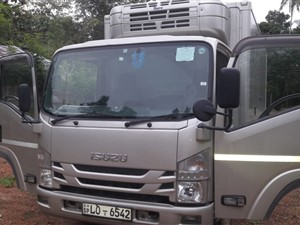 isuzu-frezer-2017-trucks-for-sale-in-matara