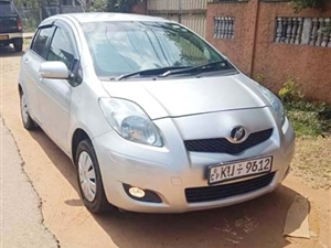 toyota-vitz-2010-cars-for-sale-in-puttalam