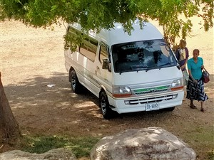 toyota-dolphine-1993-vans-for-sale-in-kalutara