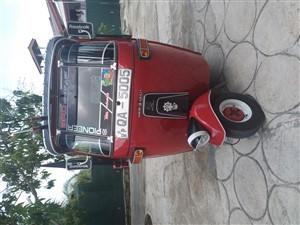 bajaj-three-wheel-2005-three-wheelers-for-sale-in-gampaha