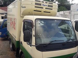 mitsubishi-fuso-2013-trucks-for-sale-in-colombo