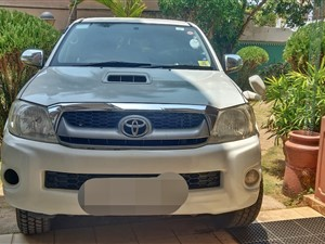 toyota-hulux-2010-jeeps-for-sale-in-gampaha