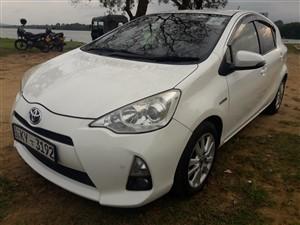 toyota-aqua-2013-cars-for-sale-in-ratnapura