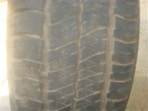 land-rover-tyres-2015-spare-parts-for-sale-in-colombo