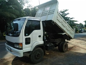 isuzu-juston-tipper-2000-trucks-for-sale-in-puttalam