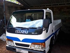 isuzu-elf-2000-trucks-for-sale-in-puttalam