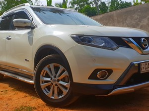 Super Luxurious Nissan X Trail for Rent with Lowest Rates