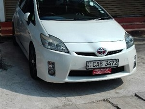 Toyota Prius 3RD Gen For Rent